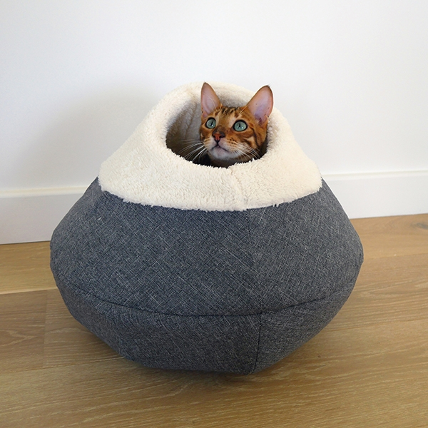 40 Winks Bedding Round Cosy Plush Cat Cave