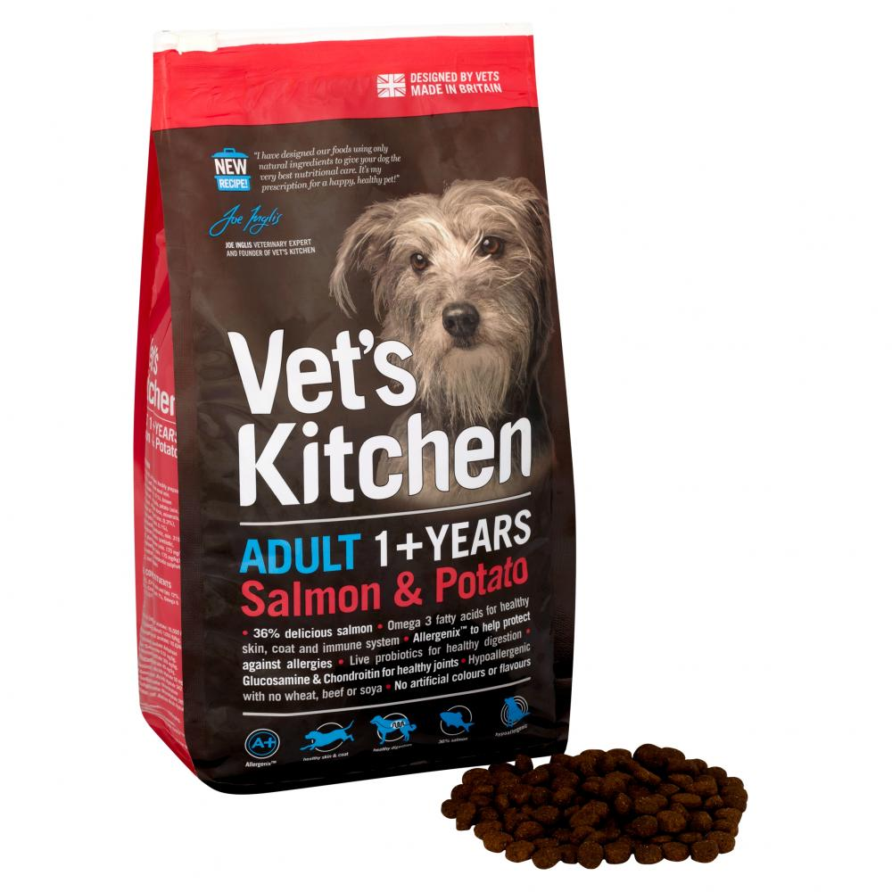 Vet's Kitchen Salmon & Potato Adult 1+ complete dry dog food